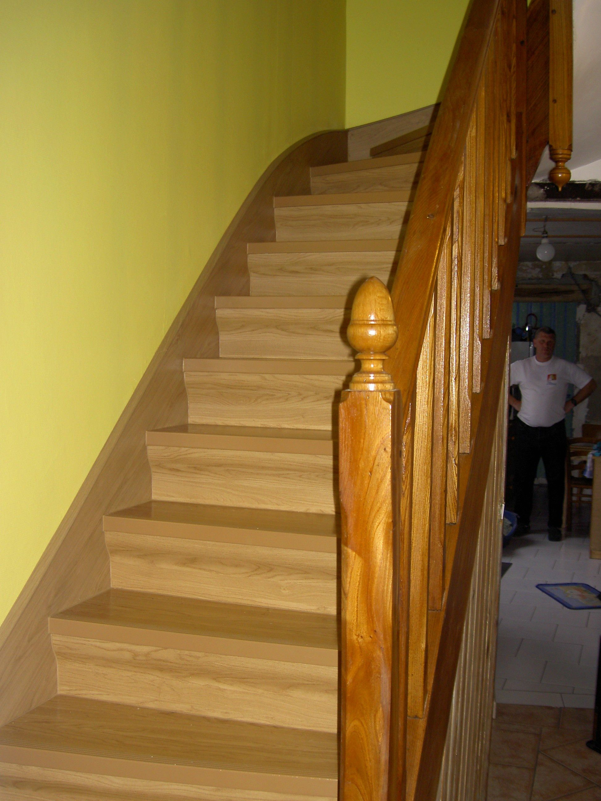 Rnovation d escalier en bois simple rnovation duescalier for Renovation escalier bois interieur